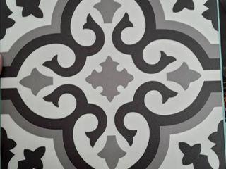 Style Selection luxury Vinyl Tile  peel amd stick