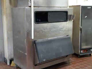 1600 lb Hoshizaki ice machine on bin