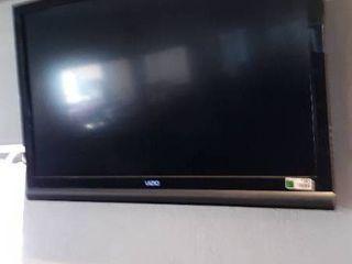 41 vizio felt screen TV w  mount
