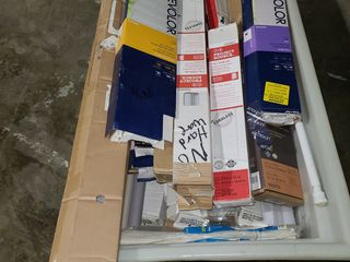 Bin of mini blinds   all sizes and some missing hardware open boxes