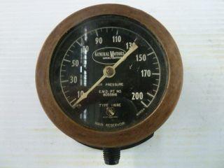 General Motors locomotives pressure gauge