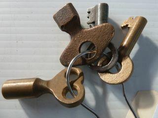 4 railroad keys