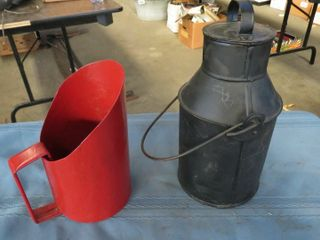 liquid container   metal scoop