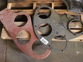 3 semaphore metal brackets