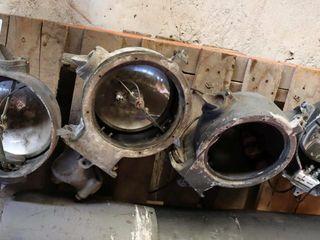 4 railroad signal light bodies
