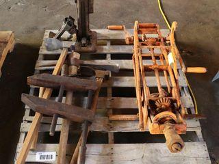 pallet lot of hand tools   jacks