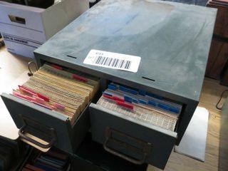 2 metal filing drawers