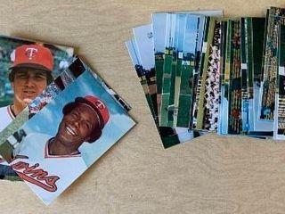 2 Sets Team Issued Postcards Minnesota Twins 1978   1983