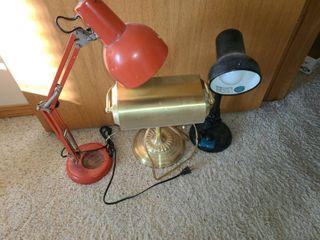 3 Desk lamps