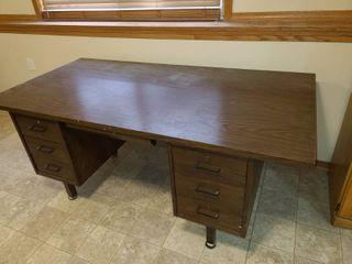 Wood 6 Drawer Desk 30 x 72 x 36 in with locking File Drawer