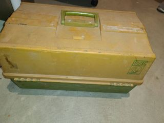 VERY lARGE TACKlE BOX  FUll OF SMAll COMPONENTS