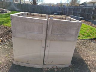 SUNCREST Hard Plastic Storage Shed 45 x 56 x 37  Have the top just need to put on