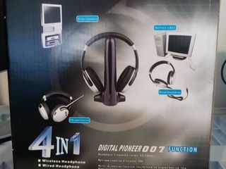 RM Hi Fi Wireless Headphones New In Box