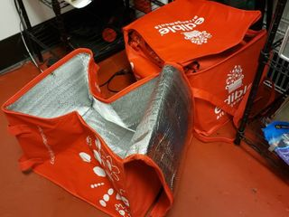 7  insulated delivery bags