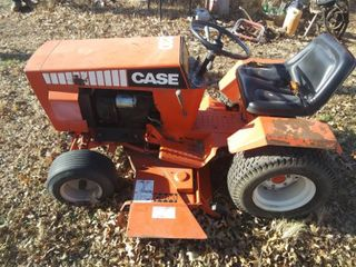 Case 220 Riding lawnmower