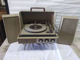 Wards Airline Portable Turntable and Speakers