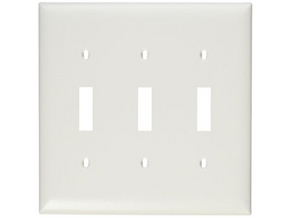 lot of 5  PASS   SEYMOUR TP3WCC12 3 Gang Nylon Wall Plate  White