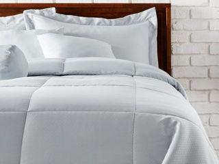 lCM Home Fashions Comforter Set