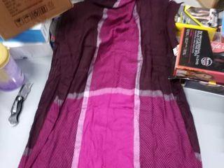 liz Claiborne accessory one size fits most ladies burgundy scarf