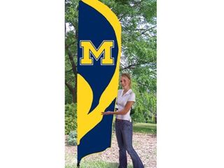 MICHIGAN WOlVERINES 8  TAll TAIlGATE FlAG