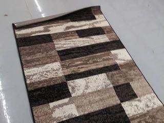 70 x47  area rug