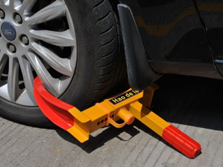 Wheel lock Clamp Boot Tire Claw Trailer Auto Car Truck Anti Theft Towing New   Not Inspected   Keys included