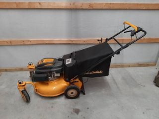 Cub Cadet Rear Wheel Drive lawnmower with Bagger