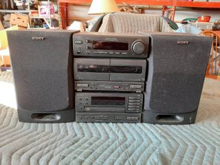 Sony Stereo with Speakers