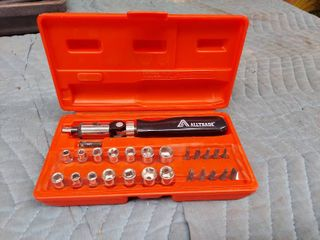 1 4  Drive Socket   Bit Set