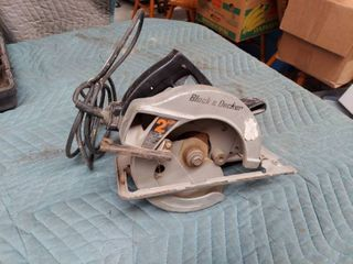 Black   Decker 2 Hp Circular Saw