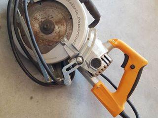 7 1 4  Worm Drive circular saw