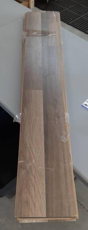 8 Wooden Planks