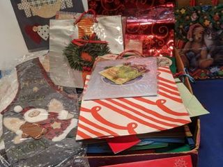 flat of holiday sacks different sizes