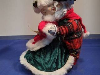 Christmas couple dancing needs batteries untested