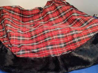 Christmas tree skirt plaid fur trim 52 in round