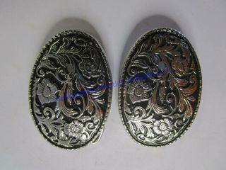 2 YOUTH BUCKlES