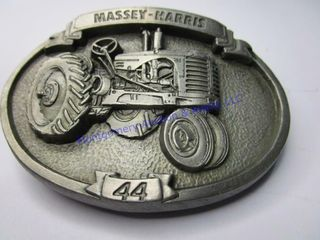 MASSEY HARRIS  44  BUCKlE