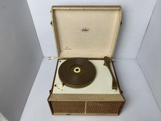 Capitol Model 722 Phonograph   GE Turntable