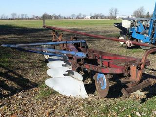 International 550 4 Furrow Semi Mount Plow