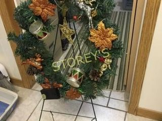 Christmas Tree Wreath w  Stand