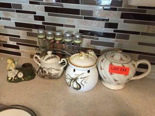 Ta Pot  Spices  Garlic Holder  Etc