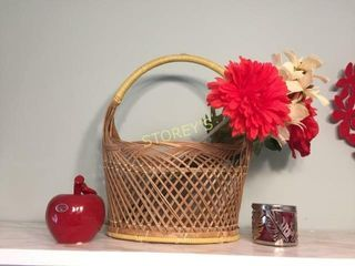 Basket  Flowers  Etc