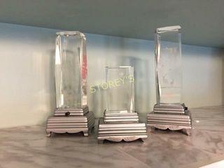 3 Glass Display Units