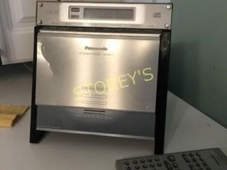 Panasonic CD Player w  2 Speakers