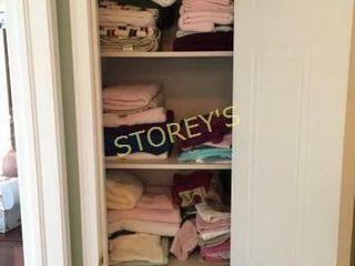 lG Qty of linens  Towels  Etc