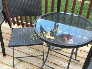 Bistro Table   2 Folding Chairs