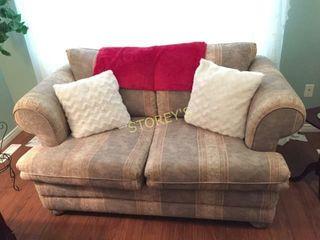 love Seat  60 x 40