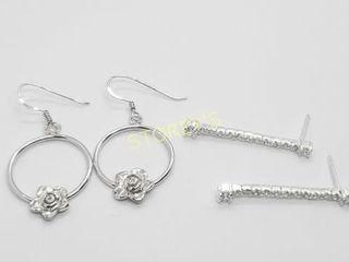 Silver lots Of 2 Pairs Earrings    140