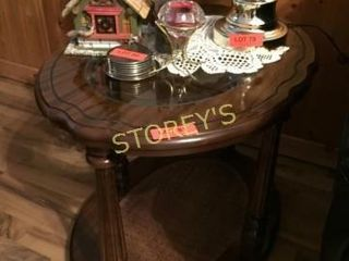 Glass Top Oval Side Table   26 x 20 x 20