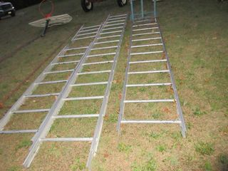 GAS POWERED ROOFING lADDER lIFT